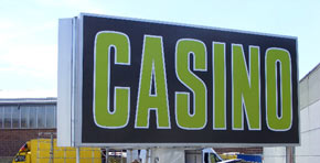 Wir fertigen innovative und hochwertige Casino-Werbeanlagen